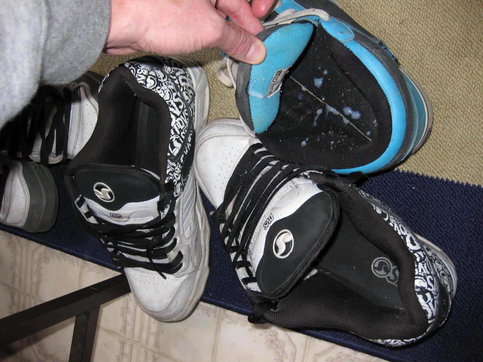 Cum On Sneakers 42