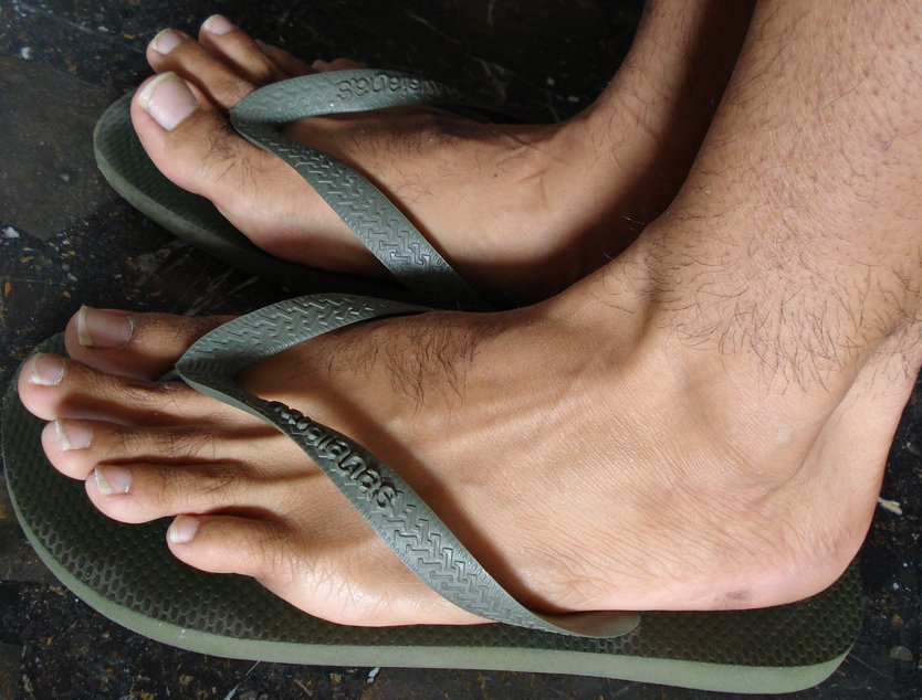 pieds en tongs à lecher