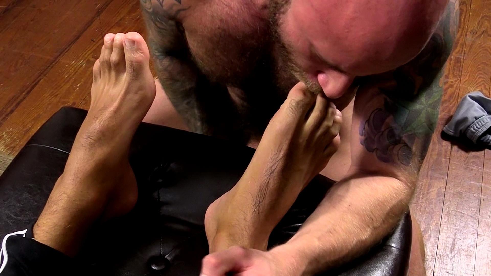 Foot fetish bubble butt fuck