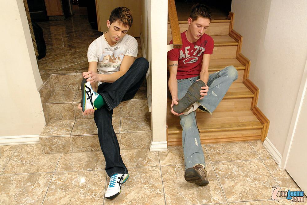 gay-pieds (1)
